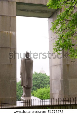 Prospect Terrace Park, Roger Williams statue