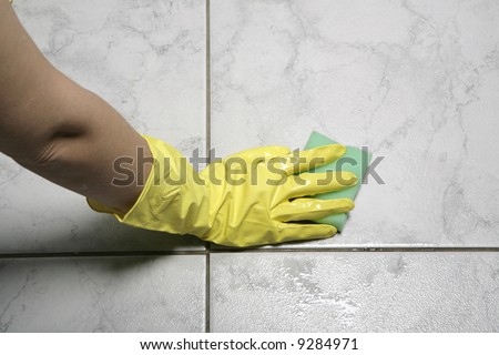 Protecting hand from detergents, use a cleaning sponge in the kitchen.