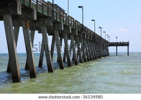 Public fishing pier in sarasota florida in the gulf of for Sarasota fishing pier