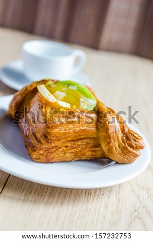 Puff pastry with fruits