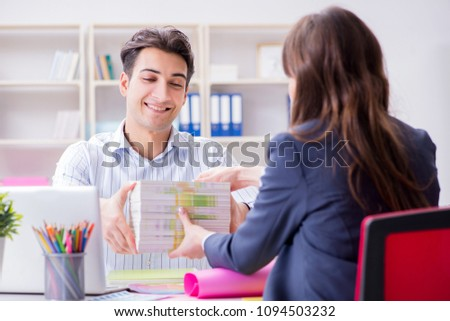 Pulisher discussing book order with customer