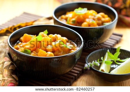 Pumpkin curry with chick-peas
