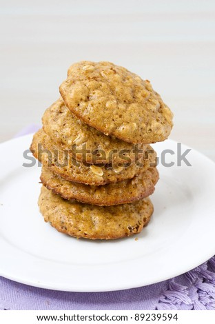 Pumpkin-oatmeal cookies with nuts and raisin