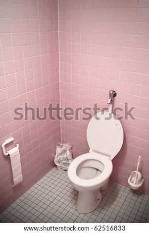 punblic toilet - pink