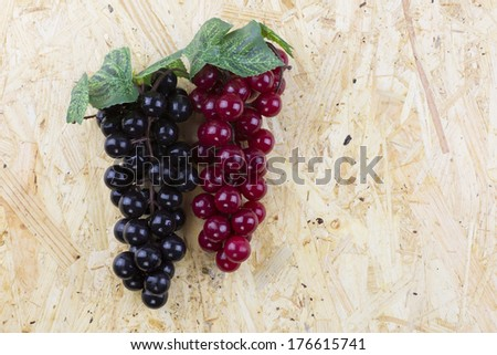 Purple grapes and red grapes
