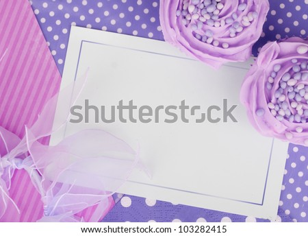 purple lilac cupcake card design wallpaper background