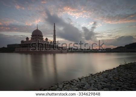 PUTRAJAYA, MALAYSIA - October 31, 2015: Putra Mosque or Masjid Putra, Putrajaya Malaysia #334629848