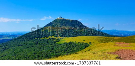 Puy de Dome- Auvergne in France- Volcanic landscape and blue sky Photo stock ©