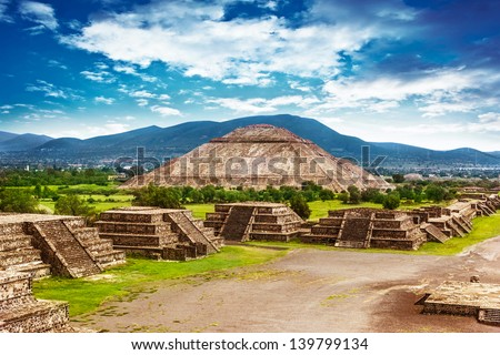 Pyramids of the Sun and Moon on the Avenue of the Dead, Teotihuacan ancient historic cultural city, old ruins of Aztec civilization, Mexico, North America, world travel
