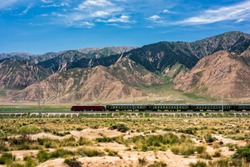 Qinghai Tibet Railway Passenger Train