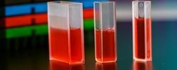 Quartz cuvette with the sample liquid for measurement