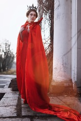 Queen in the red cloak