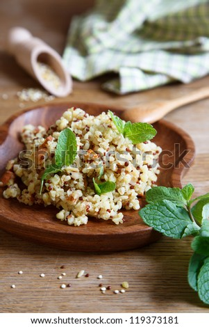 Quinoa, bulgur and mint salad