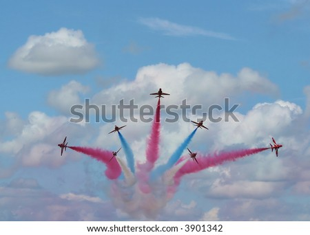 RAF Hawks - Red Arrows Display Team - split with smoke