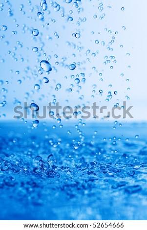 rain drops falling down