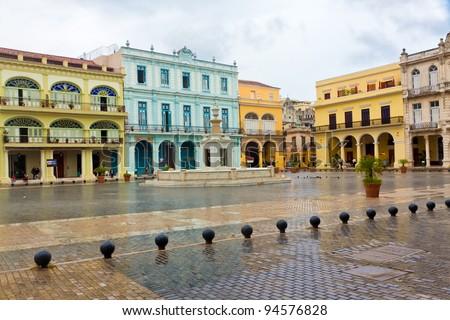 Raining in La Plaza Vieja, a touristic landmark in Old Havana