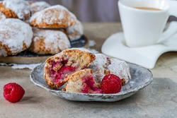 Raspberry amaretti biscuits - traditional Italian dessert.