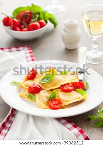 Ravioli with ricotta,tomatoes and basil