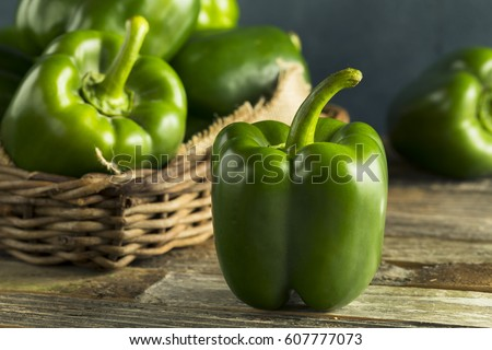 Raw Green Organic Bell Peppers Ready to Cook With ストックフォト ©