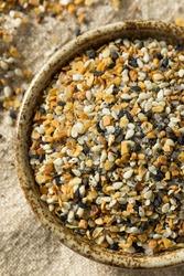 Raw Organic Everything Bagel Seasoning in a Bowl