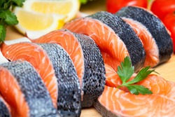 raw salmon with vegetables