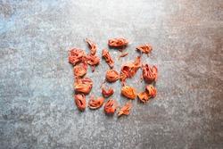 Raw whole dried Mace spice