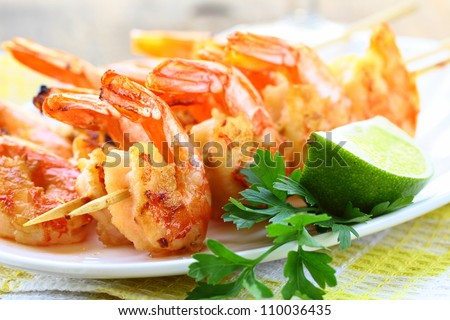 ready to eat grilled shrimp with lime and parsley