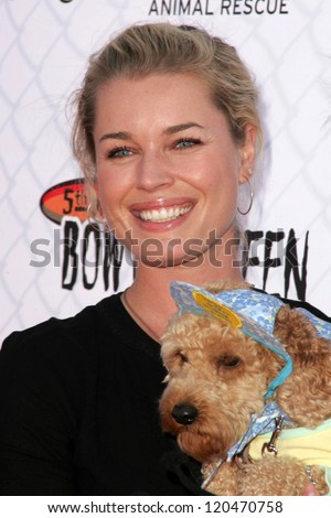 Rebecca Romijn at The 5th Annual BowWowWeen Benefit Presented by Dog.com. Barrington Dog Park, Los Angeles, CA. 10-29-06