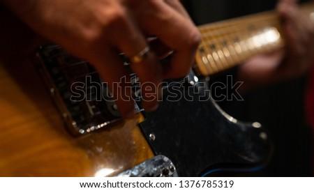 recording music audio for guitarist in studio