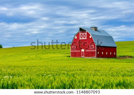 Red Barn on the Palouse, WA-USA
