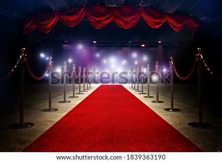Red Carpet between rope barriersat the end of Stage  ストックフォト ©