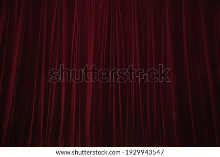 Red curtain in theatre background Foto d'archivio ©