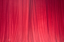 Red drop-curtain
