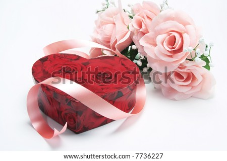 Gift Box with Pink Roses Pink Roses And Hearts
