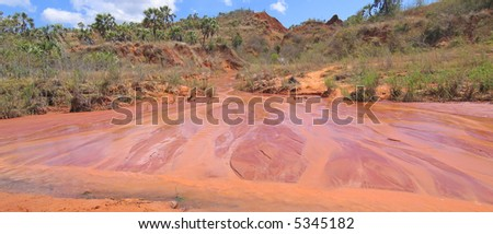 Red river and ground - Red Tsingy - Antsiranana and Diego Suarez - Madagascar - Panoramique.