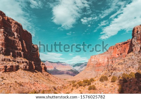 Red rock views in Grand Canyon on Bright Angel Trail hike trail
