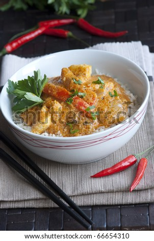 Red Thai chicken curry with rice