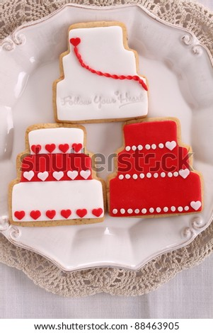Red Wedding cake cookies
