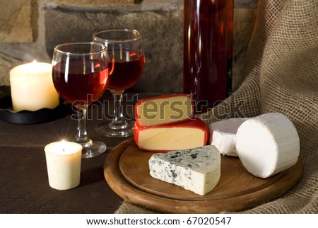 Red wine and cheese composition