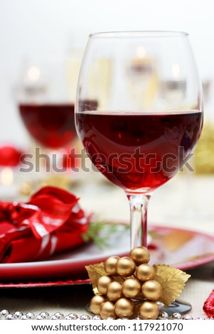 Red wine at Christmas dinner
