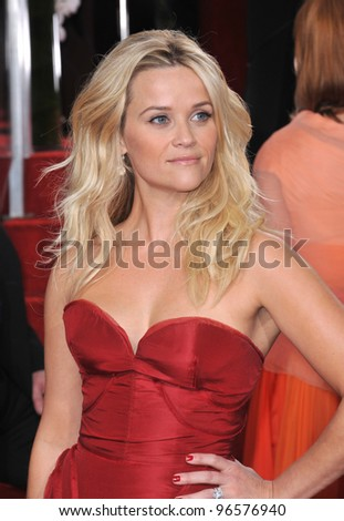 Reese Witherspoon at the 69th Golden Globe Awards at the Beverly Hilton Hotel. January 15, 2012  Beverly Hills, CA Picture: Paul Smith / Featureflash