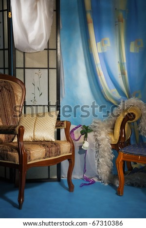 Refined boudoir interior in the blue colors