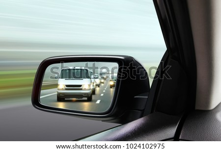 reflection of traffic flow in...