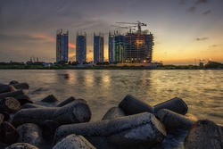 Regatta is a new estate complex in north jakarta, in Pantai Mutiara Peninsula - Pluit for exact. Situated in the tip of reclamated land. Regatta complex will become the new icon for Jakarta.