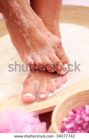 relaxing bath for feet - beauty treatment