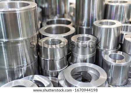 Remote rings of different lengths and diameters, after turning. ストックフォト ©