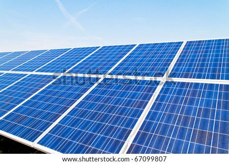 Renewable, alternative solar energy. Umwelfreundliche solar energy power plant.
