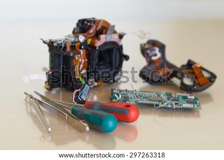 Repairing digital single lens reflex camera