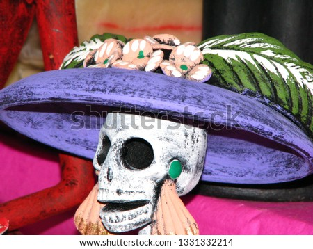 Representative figure of the celebration of the day of the dead. This is used for altars that are used to remind loved ones that have departed from this world
