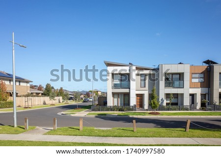 Residential townhouses in an Australian suburb. Melbourne, VIC Australia. Сток-фото ©